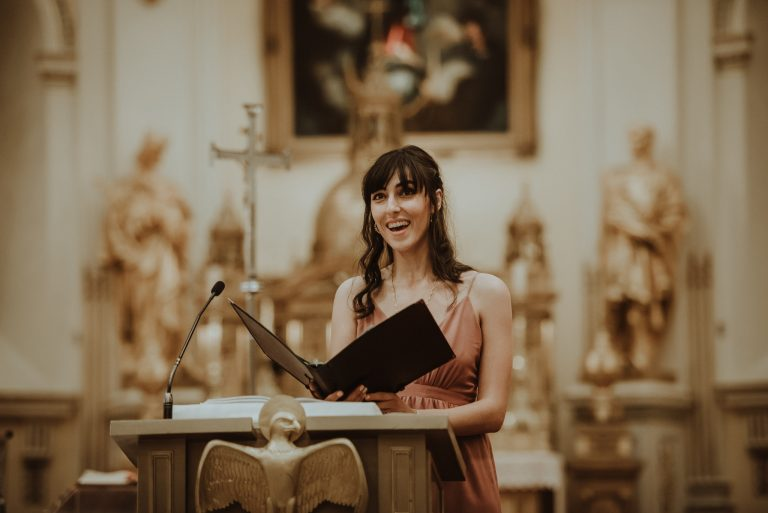 Felicia Valenti singing at Basilica Notre-Dame